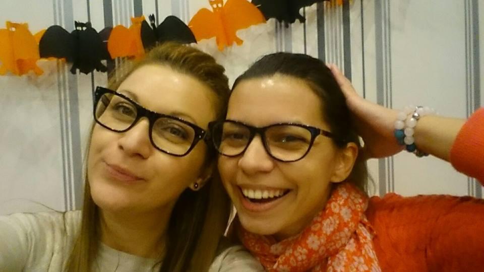 Ками и Илинка от нашия офис - USIT colours Велико Търново се забавляват с Хелоуин