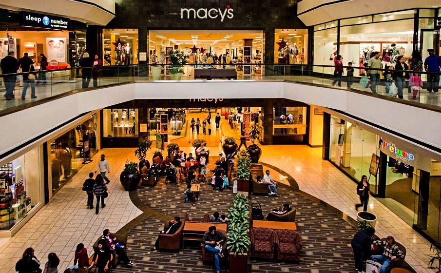Пазаруване в мол на 4-ти юли