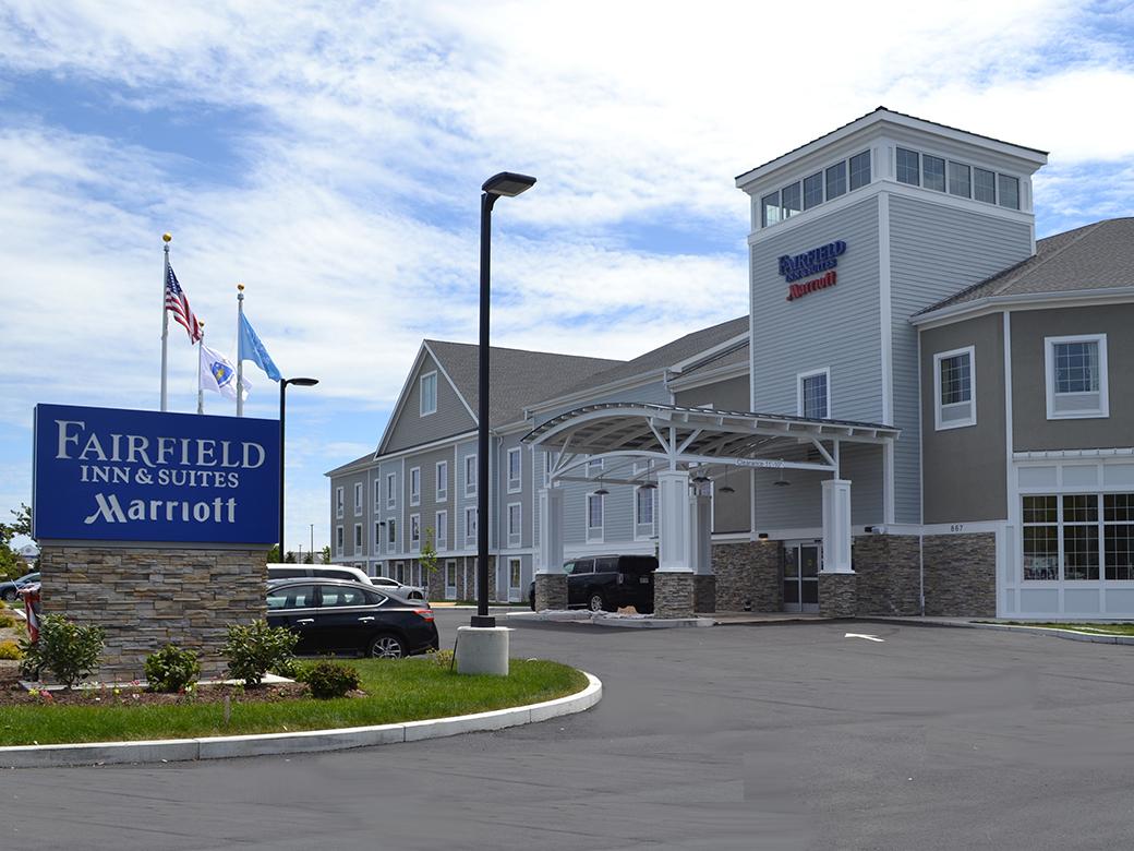 Fairfield inn and suites cape cod hyannis gotousa for Cape cod suites
